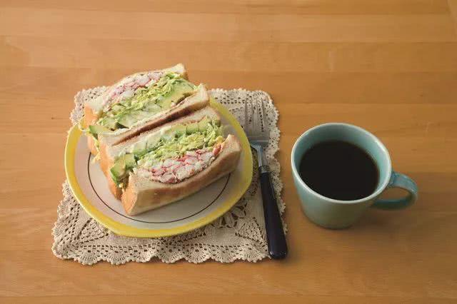 美好的早餐从三明治开始!这几种三明治很多上班族都学会了