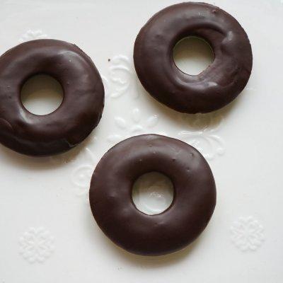 抹茶巧克力甜甜圈蛋糕这样做百吃不腻,吃1次不过瘾