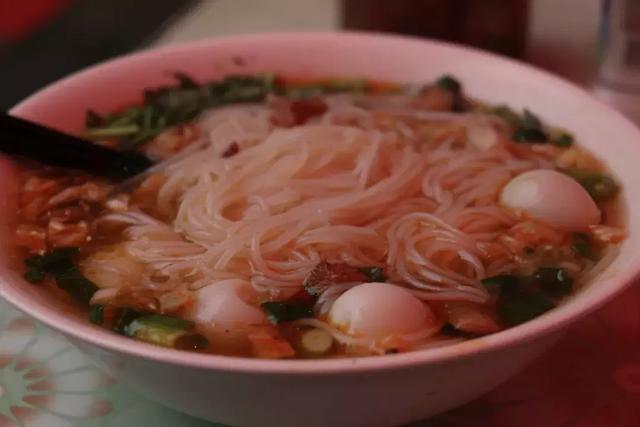 洛阳100家必吃美食第一季|No.2 一碗《泡菜米线》有滋有味有温暖