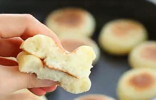 不加一滴水,做出来的饼,比面包软,比馒头香,真的好吃